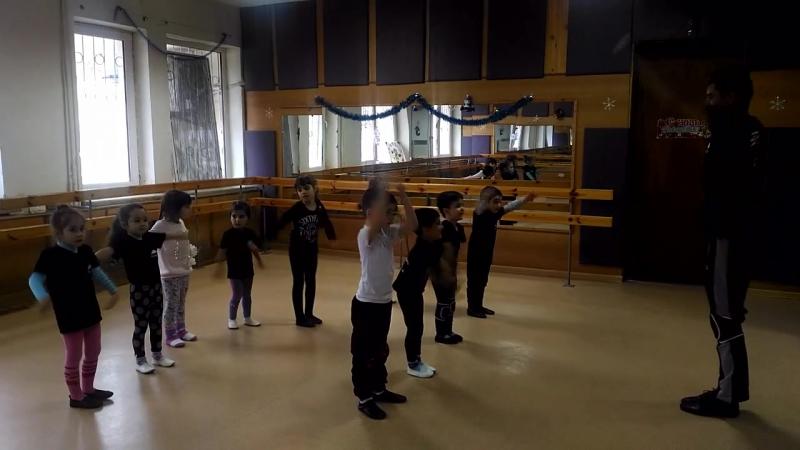 Ансамбль Янардагъ - урок акробатики