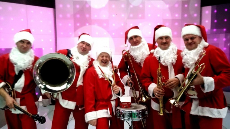 1-Jungle Bells Suite-Merry Christmas and a Happy New Year -Valeriy Bukreev Santa Claus Jazz Band 2018 -