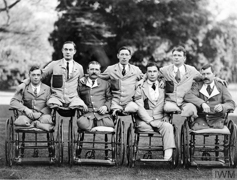 Лондонский военный госпиталь, 1918 год. Одна нога на семь солдат.
