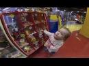 Крошка Алёнка в развлекательном центре песенка Папа пальчик