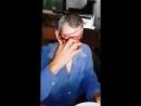 Мужчина без лица обедает