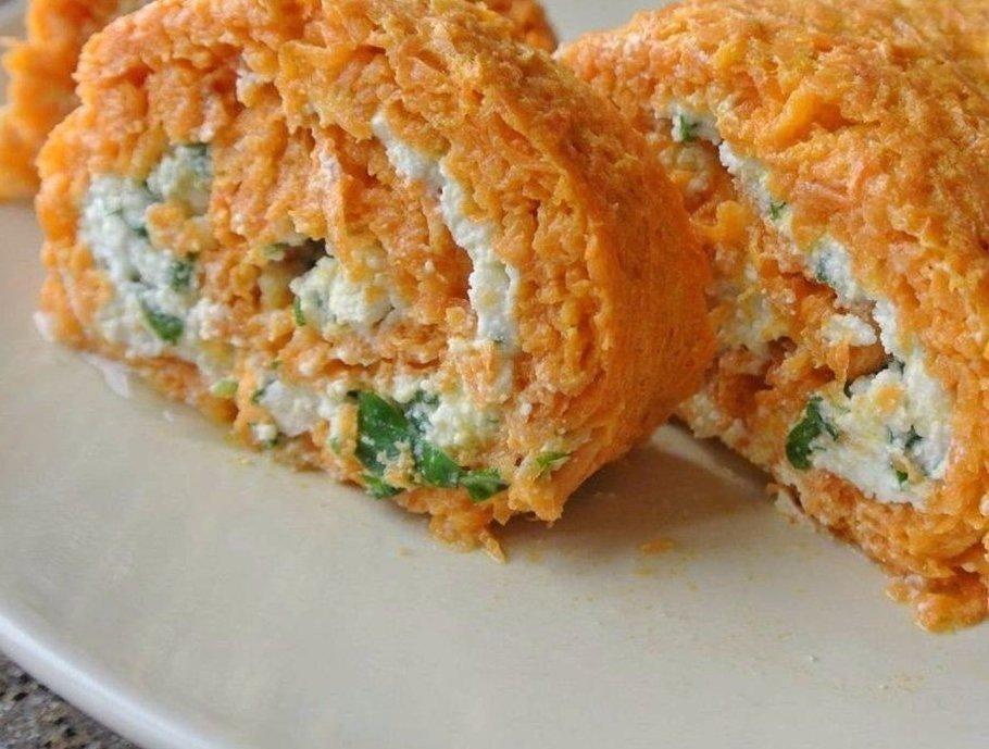 МОРКОВНЫЙ РУЛЕТ С ТВОРОГОМ И ЗЕЛЕНЬЮ Ингредиенты: морковь