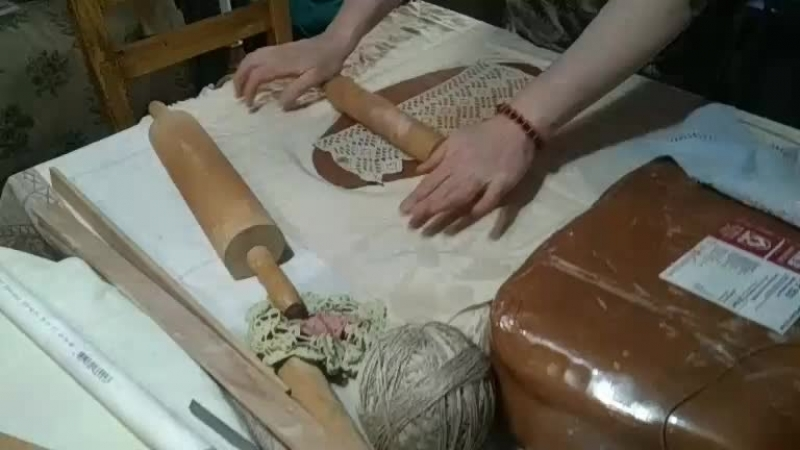 в гостях у мастерской Зелен Куфар учимся делать кружки из глины. мастерская Каруны