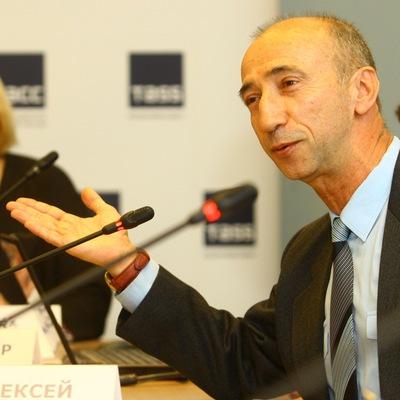 Алексей Юнеев