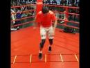 Боксшының аяғы жылдам болса соққы соғып та қорғанып та үлгереді