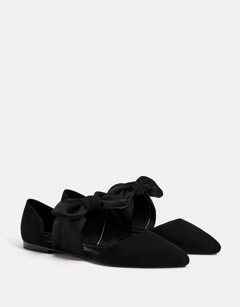 Туфли на плоской подошве с бантом