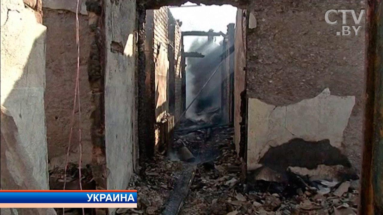 ГСЧС: Кликвидации пожара наскладах под Винницей около 700 человек