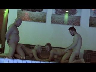 Fitness-maus - krasse pool-orgie! ao mit lillivanilli
