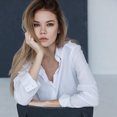 Оля Комлик