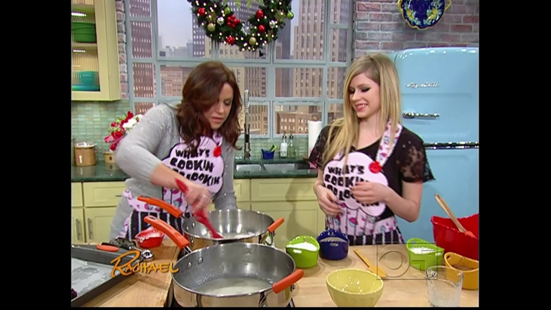 Avril_Lavigne_-_Rachael_Ray_Show_07.12.2011