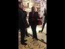 Как не пускают покупателей в магазины в ТЦ Версаль №2