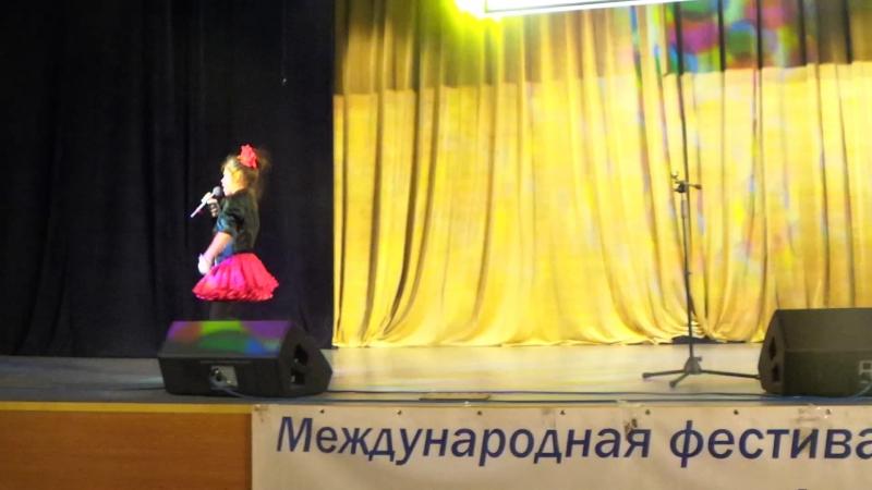 Ленинградский рокнрол, живой звук, Анна Жебровская, 7 лет (2014 г.), руководитель Светлана Деркач.