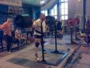 Присед на 3 раза с весом 300кг ) 4-ёх кратный призер Европы по паурлифтингу!
