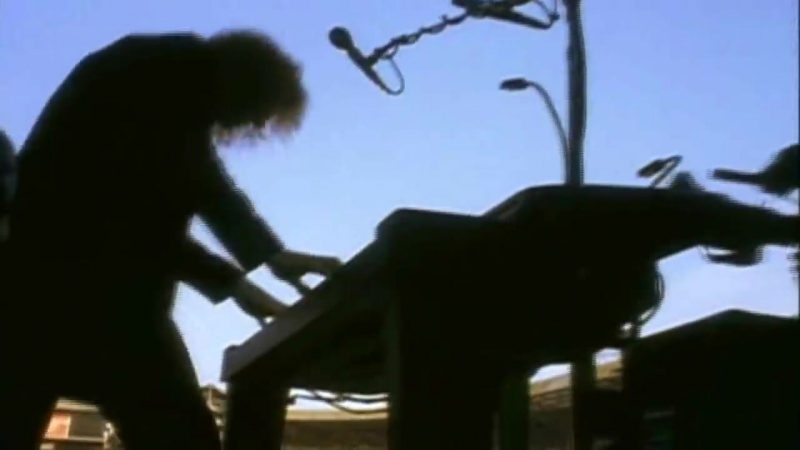 Bon Jovi - Livin On A Prayer - Live From London 1995 (720p) (via Skyload)