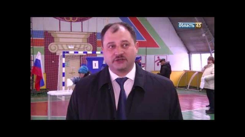 Курганские ВИПЫ проголосовали под гимн Советского Союза