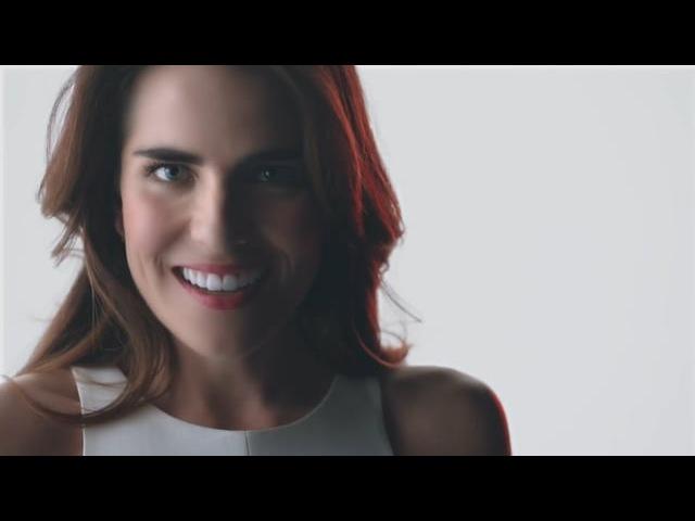 Colgate Luminous White Advanced - Karla Souza