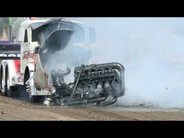 Tractorpulling FAIL Compilation!! 4