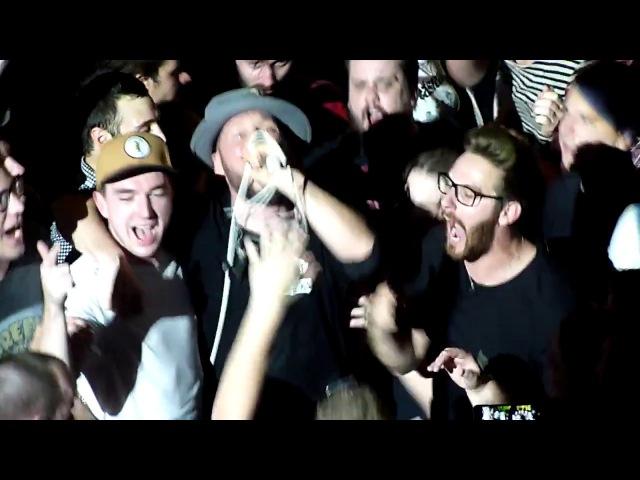 Beatsteaks - Milk and Honey (Arnim in the crowd) live @ Orpheum, Graz 2017 Austria