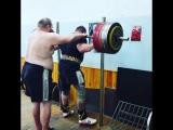 Тимур Гадиев приседает 320 кг на 2 раза
