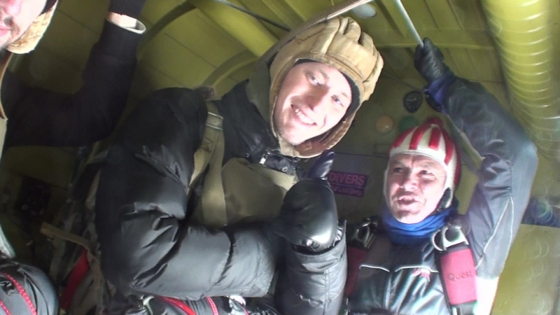 Прыжок с парашютом в Логиново 18.02.2018.