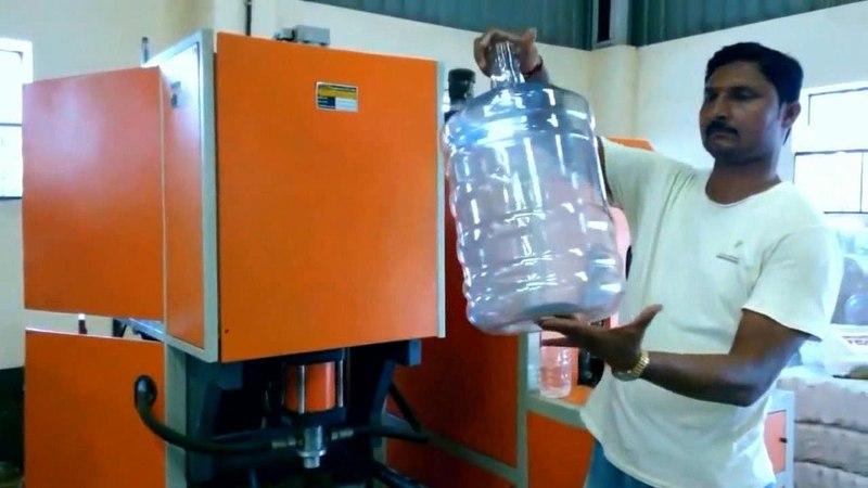 Бизнес идея в гараже. Изготовление больших пластиковых бутылей под воду