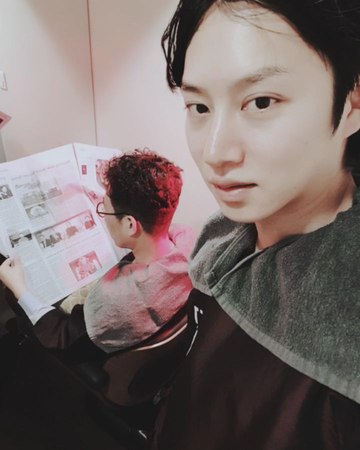 "Kim Hee Chul on Instagram: ""캐나다에 사는 김영미 할머니를 인터뷰 해보았습니다👵 김영철"""