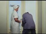 Кавказская пленница  Шурик ломится в открытую дверь