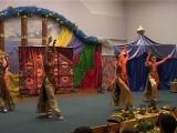 Танец павлинов из мюзикла