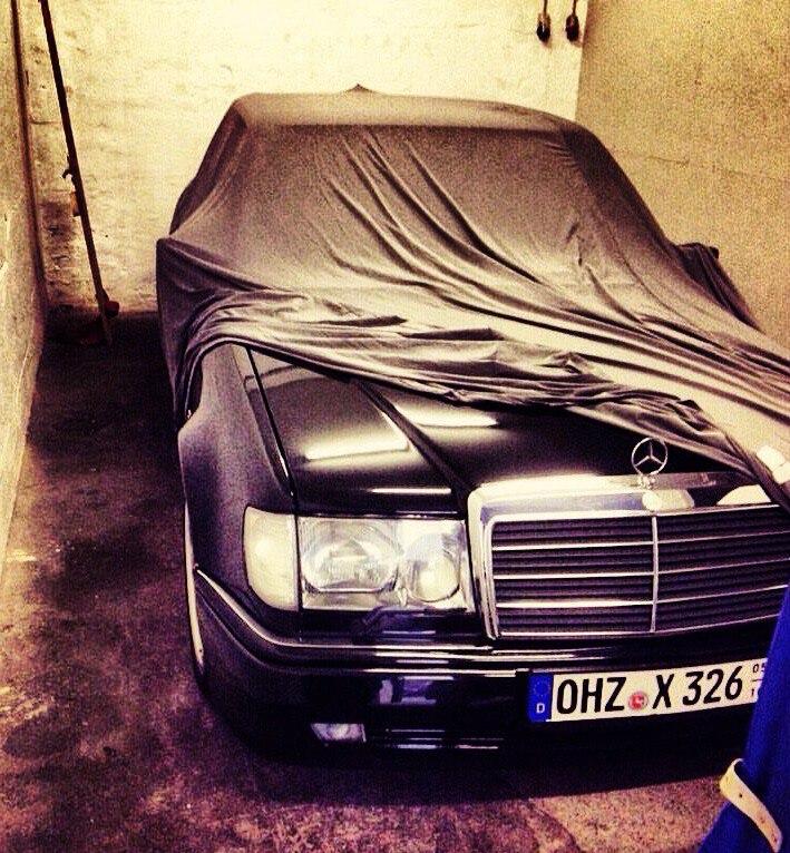 Я не прошу клясться мамой, удачей. Просто подпишись Mercedes-Benz...