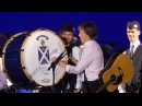 Paul McCartney signs bass drum of pipe band in Melbourne - 06-12-2017