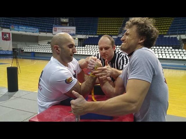 АРМ on Instagram А ушёл ли локоть Возвращаемся к архиву Видео с чемпионата Москвы 2017 Женя Бушманов после перерыва снова в строю армрестли