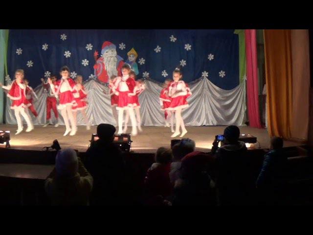 танцювальний колектив Карамельки новорічний танок