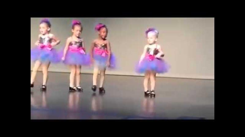 Танцуют дети разный подход к танцу европеек и афроамериканок
