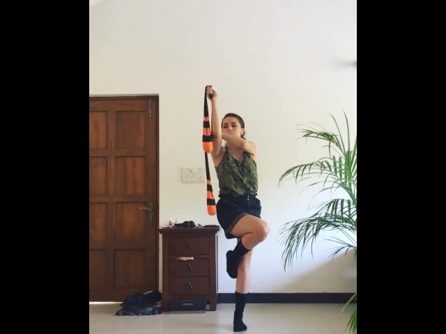 "Stakanova Ekaterina on Instagram: ""poi2spin challenge 🦎 Well, I have tried :) This one is female variation)) . Челендж от @antispinner. В паре мом..."