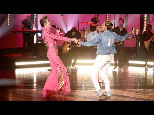 Miley Cyrus Performs Her New Hit 'Younger Now'