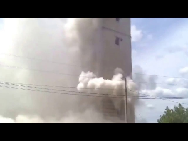 Жесткий обстрел попочленцев засевших в башне из БМП-2 ЗСУ (АТО, ВСУ, ЗСУ)
