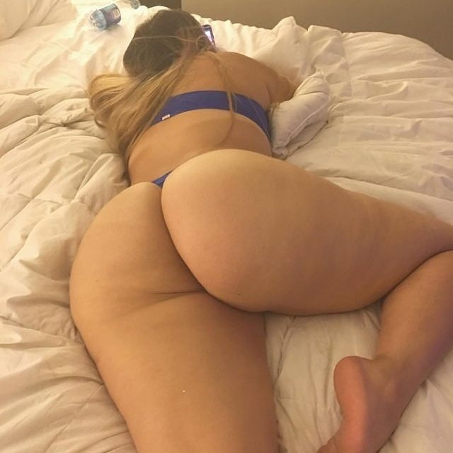 booty-in-bed-baked-xxx-cum-shot