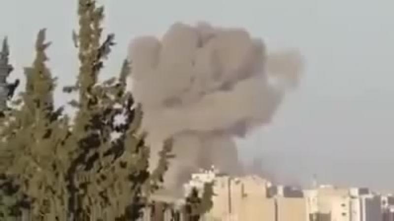 Объемный взрыв парашютной авиабомбы над головами террористов ИГИЛ.