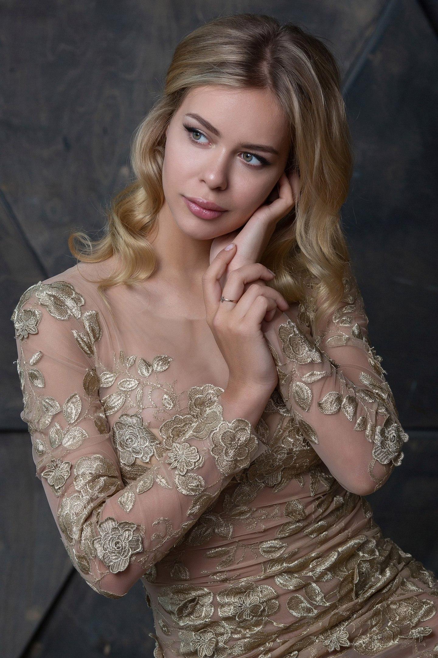 Анна Погорилая-2 W7q08H3LrGc