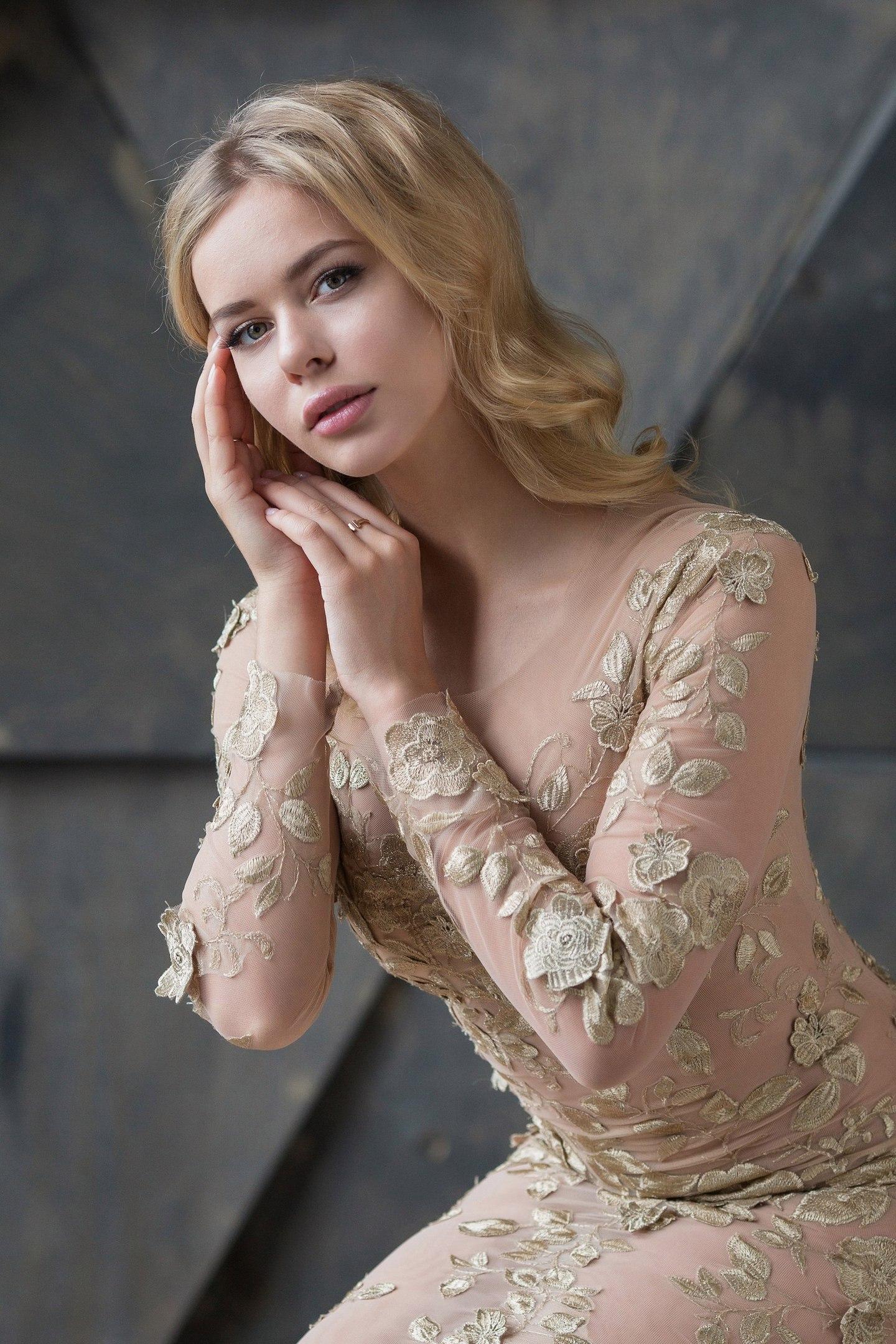 Анна Погорилая-2 5p9ZeoIihu8