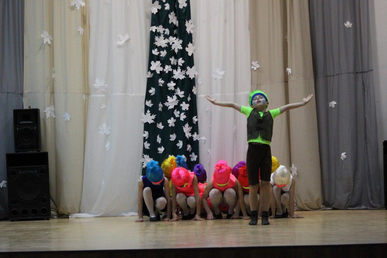 Первые праздники в обновленном ДК поселка Каменецкий