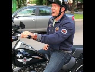 Денис Семенихин и его Harley!!!