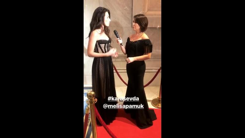 Мелиса Памук на церемонии «Ayaklı Gazete TV Yıldızları Ödül Töreni» 27.11.17