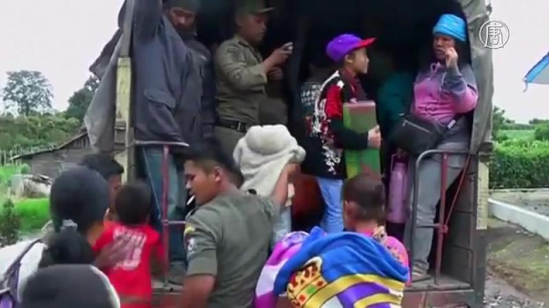 17_10_2017_СРОЧНО! В Индонезии произошло извержение вулкана Синабунг