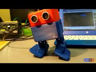 Робот танцует как Майкл Джексон