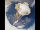 Извержение вулкана, вид с МКС