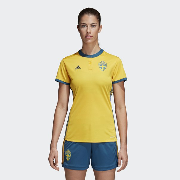 Домашняя игровая футболка сборной Швеции