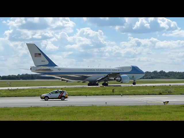 USAF VC-25A Boeing 747-200B (SAM 28000) Air Force One takeoff in EPWA Warsaw Chopin Airport