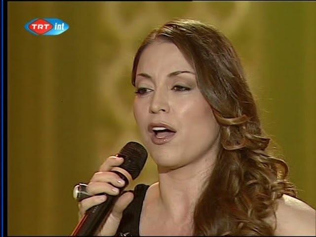 Aşkın Nur Yengi - Serserim benim ve sana merhaba dedim (Canlı Performans - TRT)