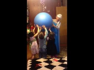 Эльза с шаром сюрпризом от Олофа